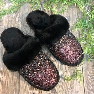 unbranded // black faux fur & glitter slippers 7/8